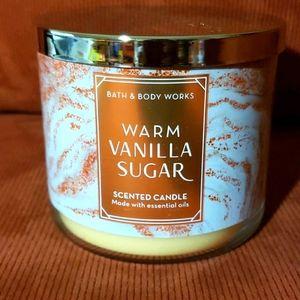 Bath & Bodyworks Warm Vanilla Sugar 3-wick Candle